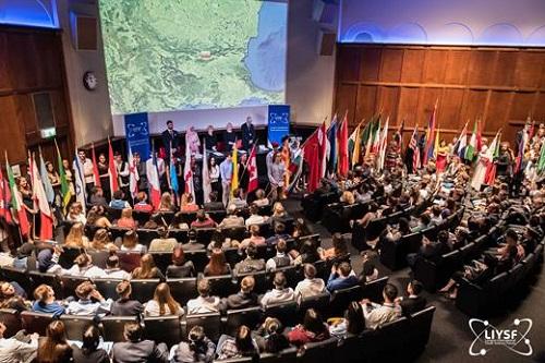 الملحقية الثقافية تشارك في أعمال منتدى لندن الدولي للعلماء الشباب في دورته التاسعة والخمسين